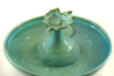 cat water fountain teal leaf