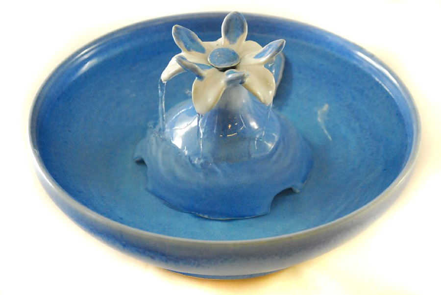 Cat Drinking Fountain With A Lotus Flower Pump Cover