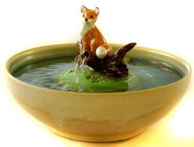 sculpture cat fountain