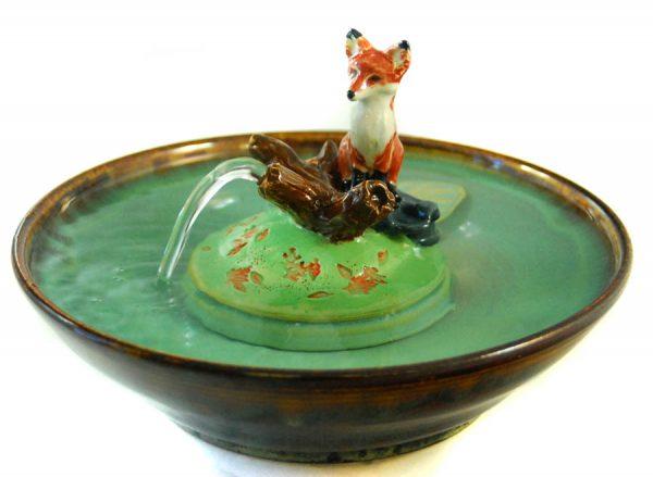 fox sculpture fountain