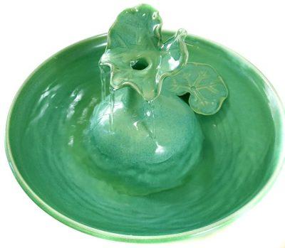 Ceramic Waterelily leaf cat fountain